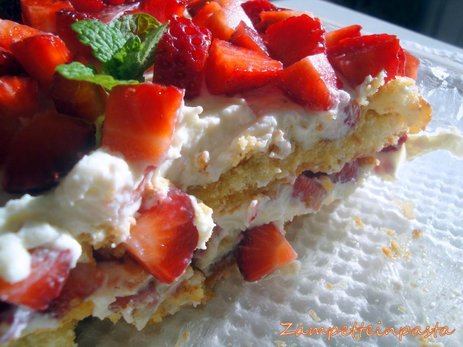 Tiramisù con fragole e ricotta (senza uova) - Ricetta con le fragole