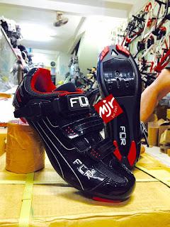 Sepatu Sepeda Balap FLR F15 II