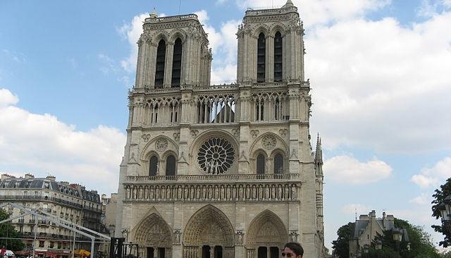 Tα Φαντάσματα του καθεδρικού ναού της Παναγίας των Παρισίων