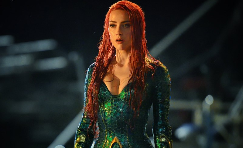 """Amber Heard emerge na primagem imagem de Mera em """"Aquaman"""""""