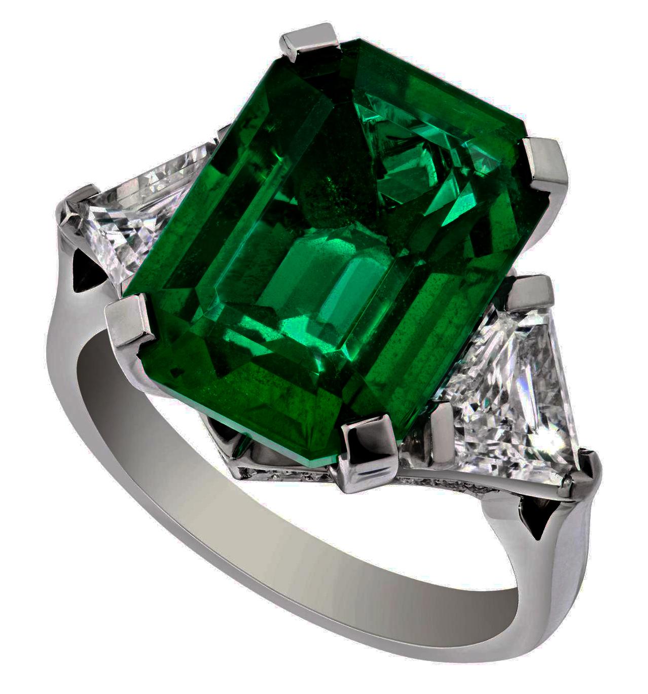 2f64b80142c3 Es un berilo de color verde oliva que apacigua
