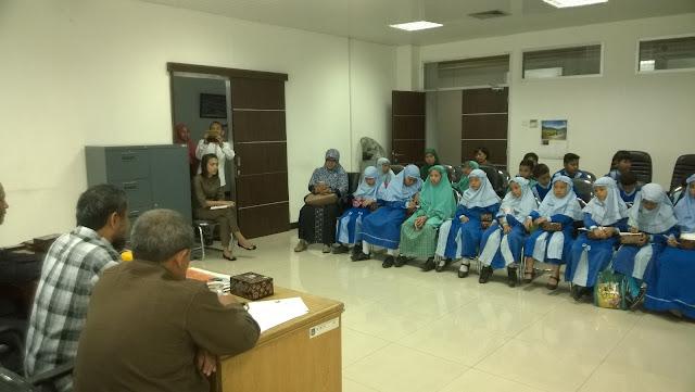 Siswa SDIT Al-Hijrah Kunjungi DPRD Kota Medan