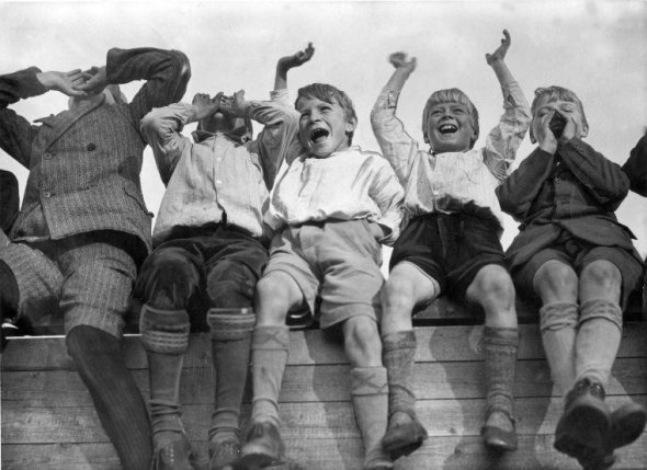 Incredible Vintage Photos Of Sports Fans 100 Years Ago ...