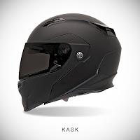 Mat siyah renkli ve siyah camlı motosikletçi kaskı