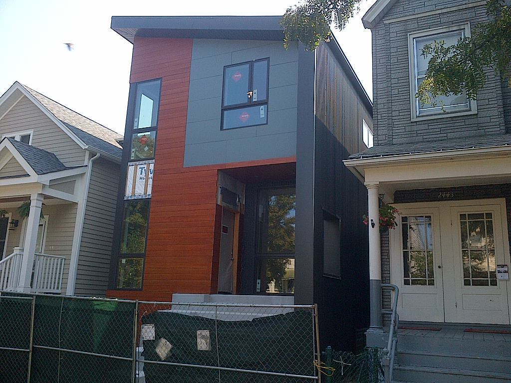 A Cool Looking Modern House Under Construction At 2441 W Winona In Northwestern Lincoln Square