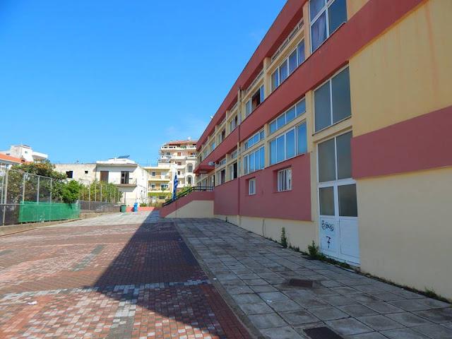 Σοβαρά τα προβλήματα στην αυλή του Γ΄ Δημοτικού Σχολείου Ηγουμενίτσας