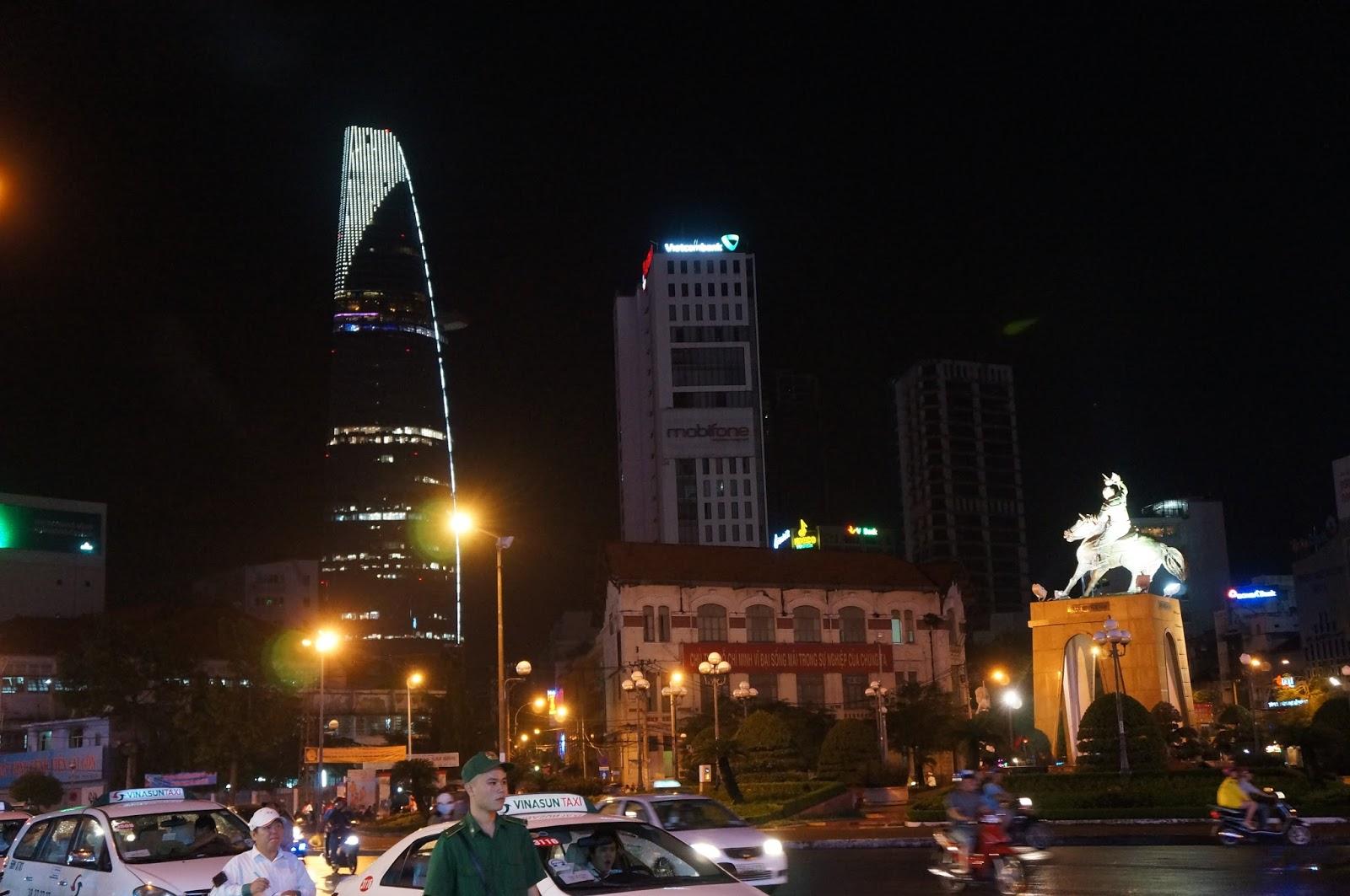Ben Thanh at night