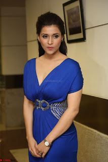 Mannara Chopra in Short Blue Dress at Rogue Movie Teaser Launch 1st March 2017 096.JPG
