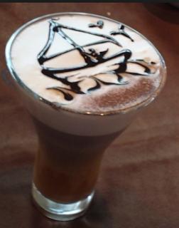 Latte Art 3D Perahu Dan Laut