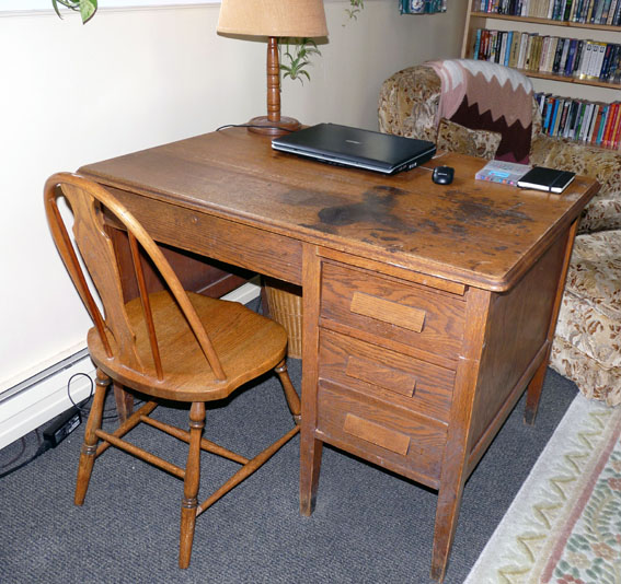 A Look Inside The Old Oak Desk