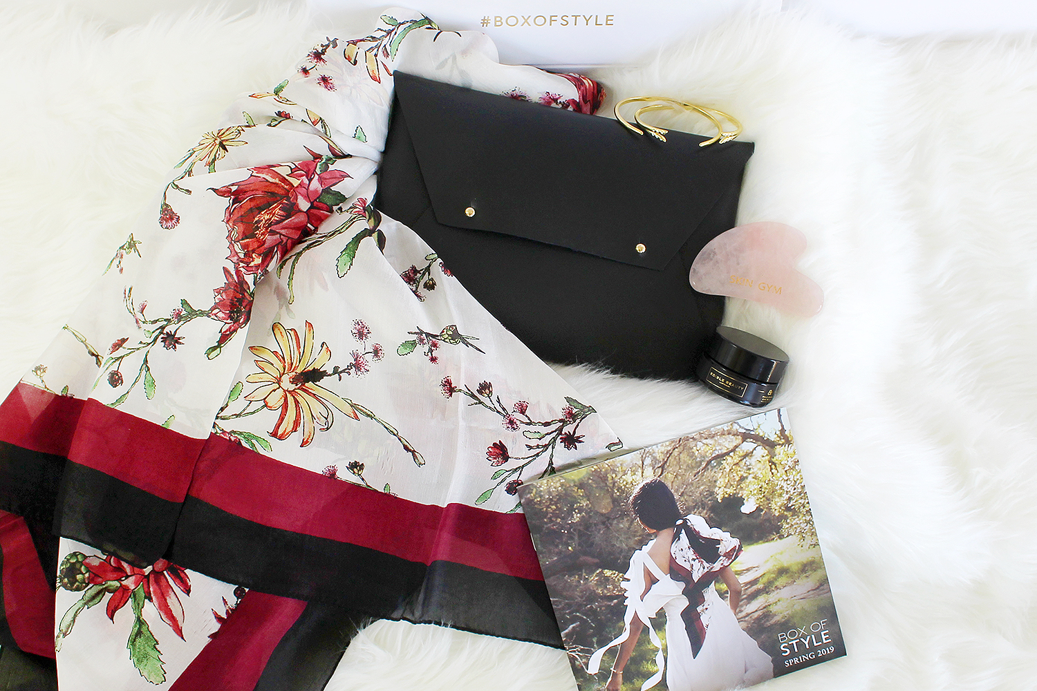 3755399cc9 I got my Spring Edition of Box of Style and I'm back with an unboxing post  for this gorgeous luxury box. It includes 3 fashion items for a mini  wardrobe ...