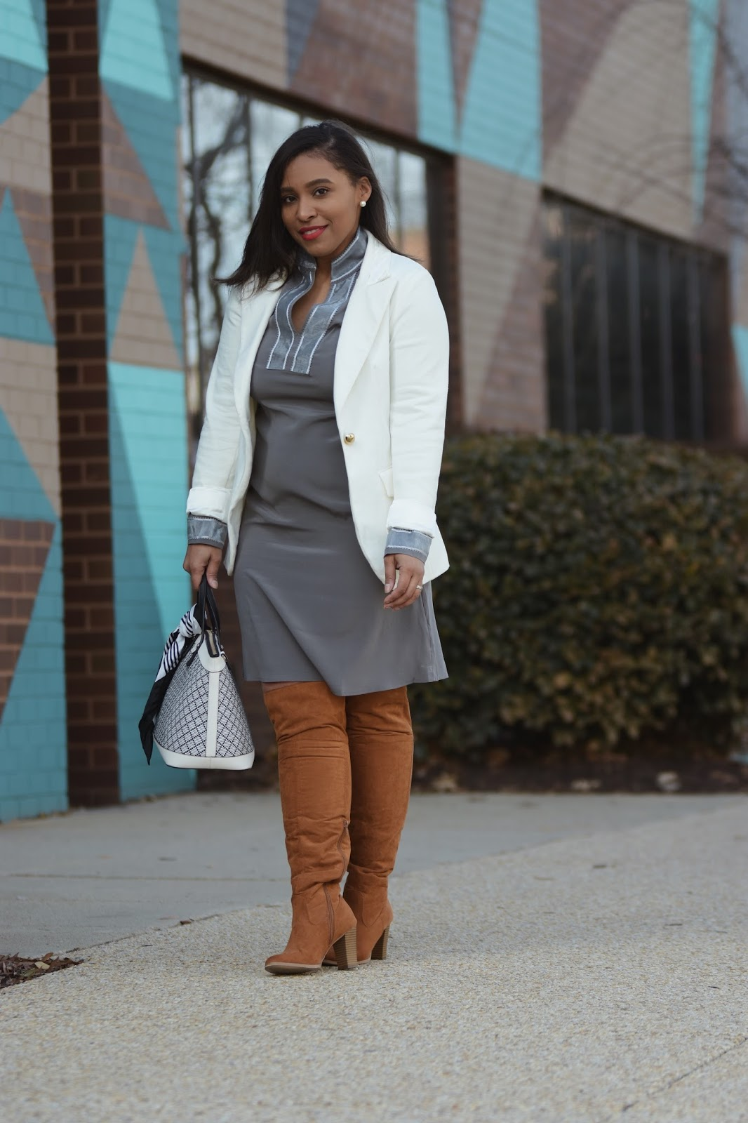 Ajini, silk, grey dress, mom blogger, pregnant fashion, spring looks, style the bump