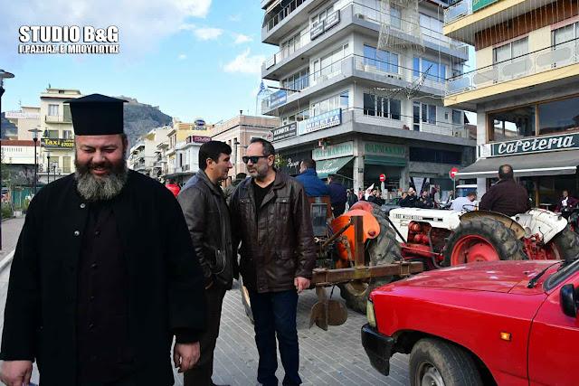 Αργολίδα: Και ένας ιερέας στο πλευρό των αγροτών που διαμαρτύρονται