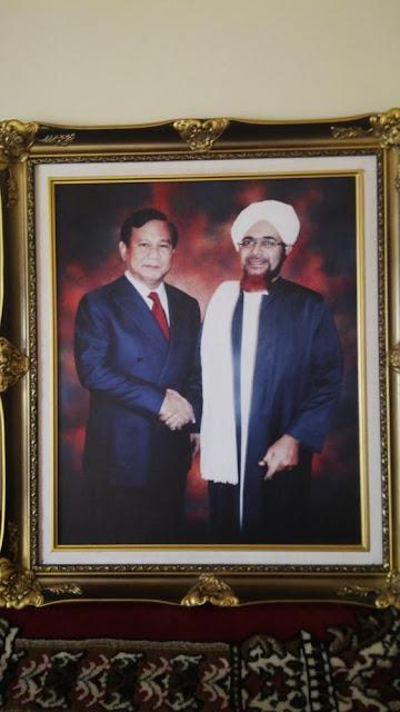 Para Habib di Belakang Prabowo Subianto