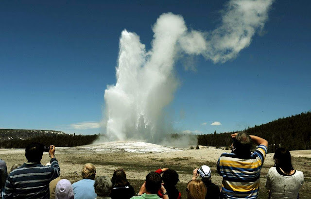 World's Tallest Active Geyser Awakens in Yellowstone