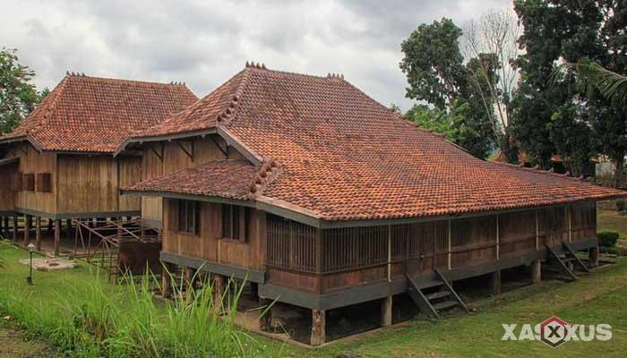 Gambar rumah adat Indonesia - Rumah adat Sumatera Selatan atau Rumah Limas