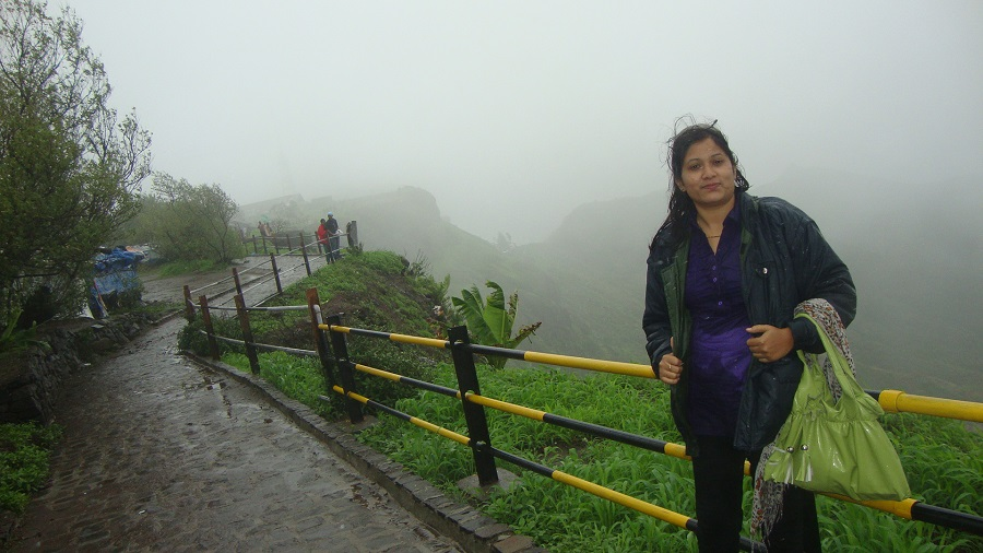Tourist Places Resorts One Day Picnic Places To Visit Near Pune Mumbai Sinhgad Fort Near
