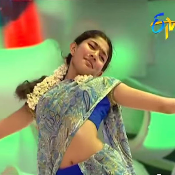 Sai Pallavi hot photos in saree from ETV dance reality show Dhee