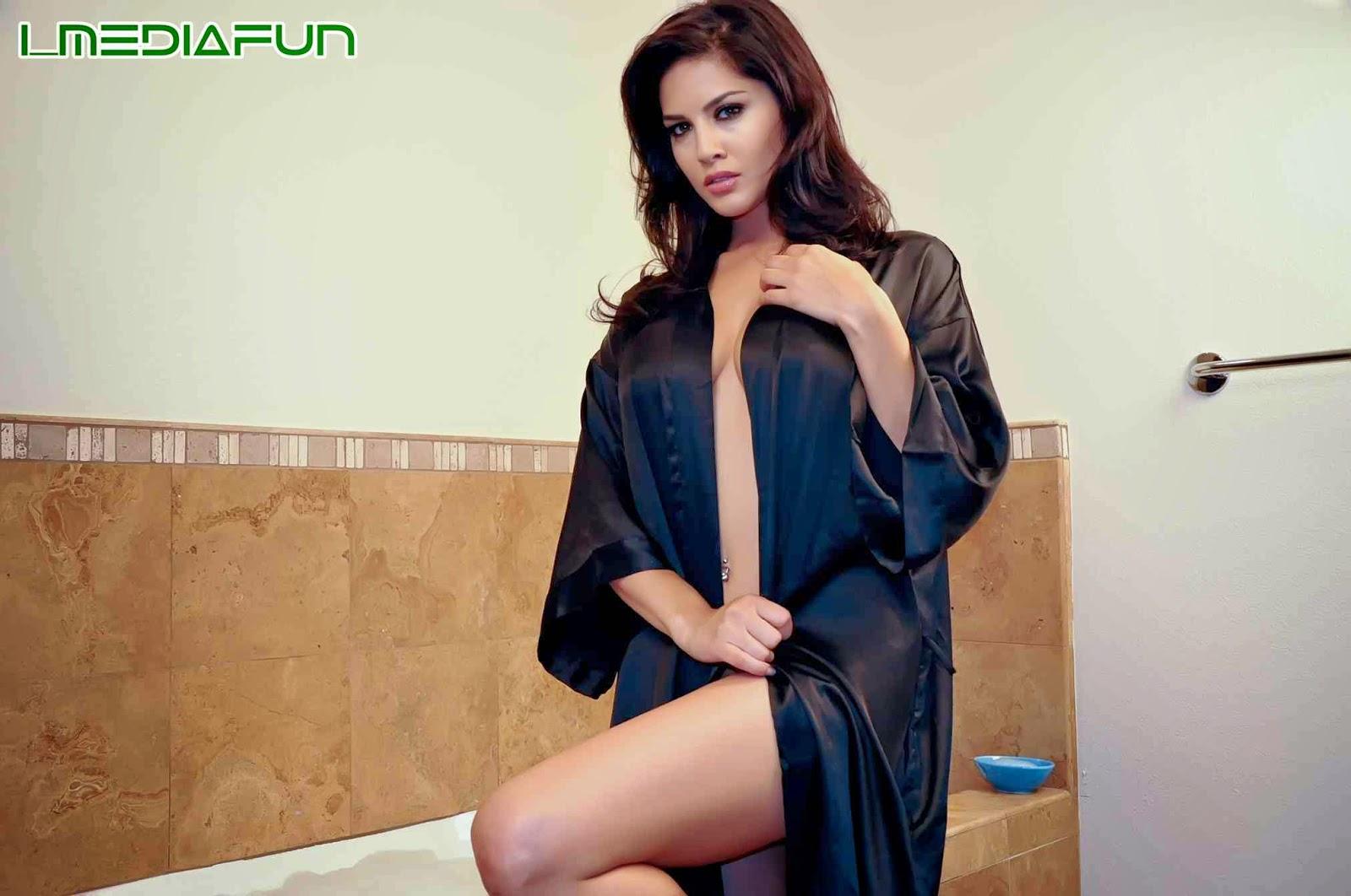 Anal Defloration Of Katrina Moreno - Elena Silver And -1218