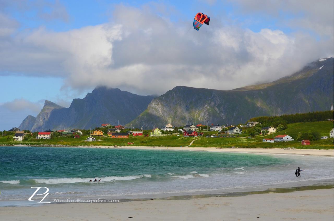 Kite surfing at the Ramberg Beach