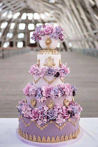 bánh sinh nhật hoa tím mộng mơ
