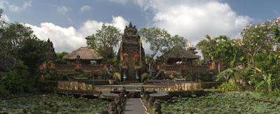 gambar pura taman saraswati ubud bali wisataarea.com