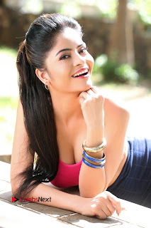 Actress Gehana Vasisth Latest Pictureshoot Gallery  0007.JPG