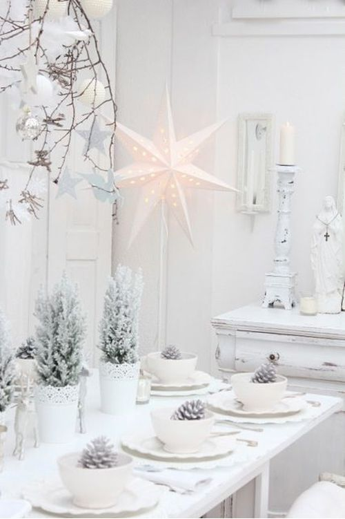 pretty white and grey Christmas table decoration