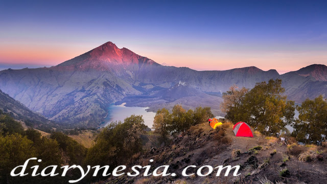 mount rinjani tourism, lombok island tourism, best mountain to hike in Indonesia, diarynesia