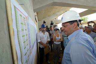 Governador Omar Aziz visita obra do Estádio da Colina, que será inaugurado com um clássico Galo-Preto