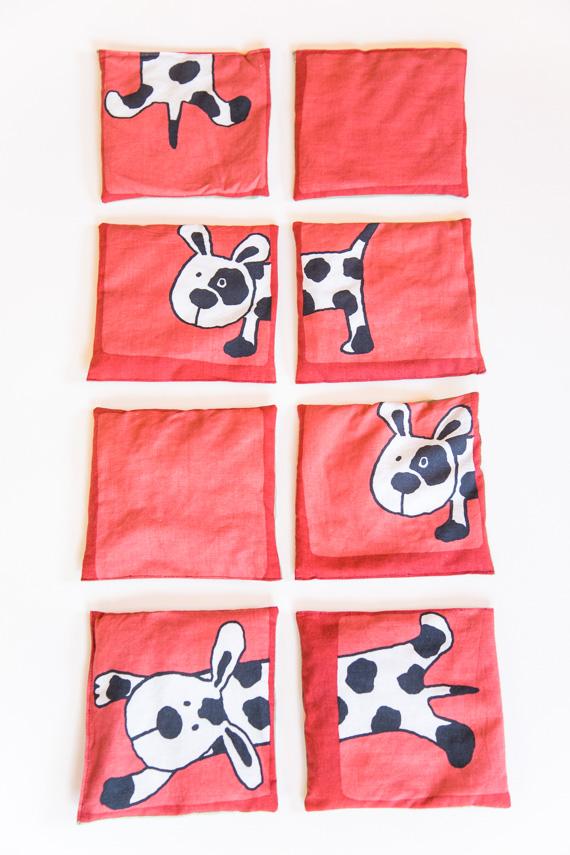 Koira-aiheiset punaiset hernepussit