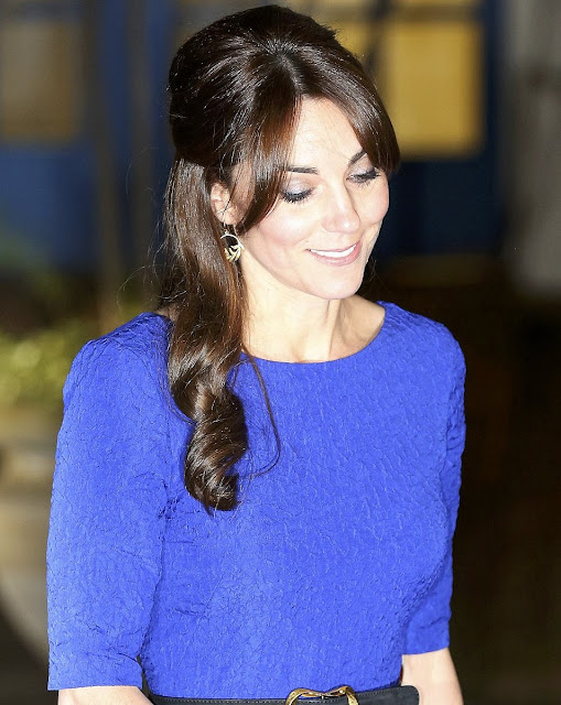 The Duchess selected a dress for the evening by Indian designer SALONI. The Martine Crinkle-Effect Dress is crafted from lightweight fabric, round neck and v-neck back in cobalt blue.