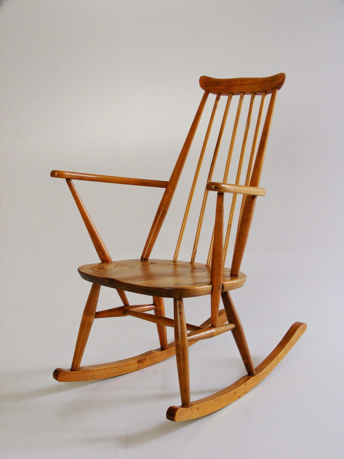 VAMP FURNITURE: New vintage furniture stock just unpacked ...
