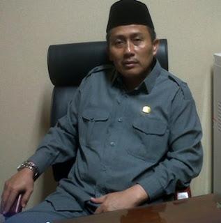 Drs.H.Husnul Aqib.MM Anggota Komisi A