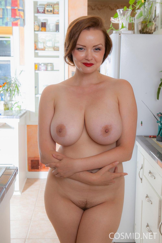естественные груди зрелых женщин - 1