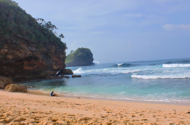Pantai Keren di Malang