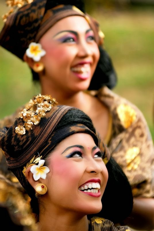 10 Places You Shouldn't Miss in Indonesia | Woman from Denpasar, Indonesia