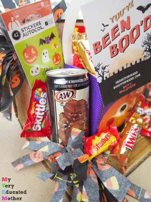 A BOO kit in a Book! Perfect for bibliophiles this Halloween.