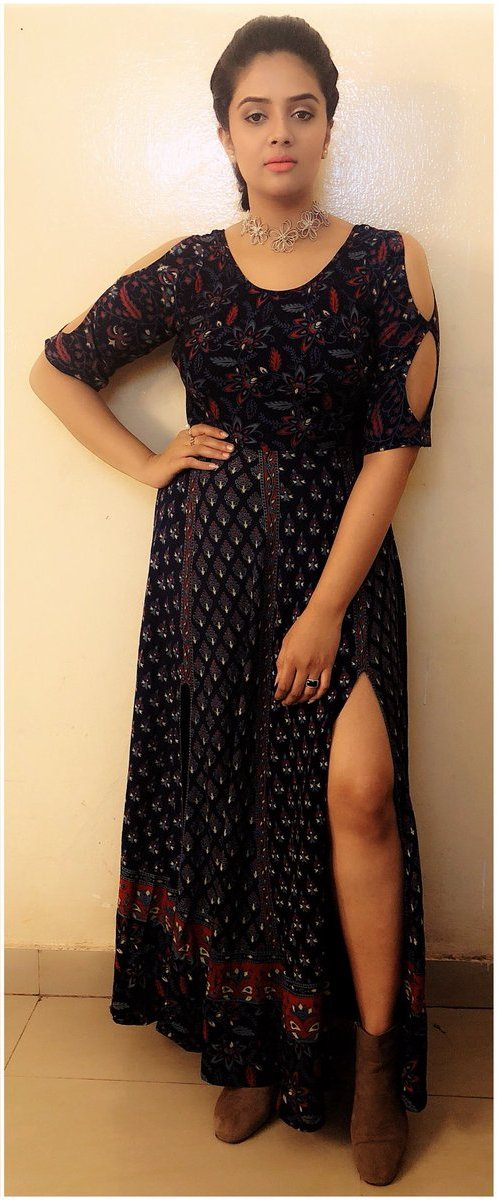 Indian TV Actress SreeMukhi Photoshoot In Black Gown