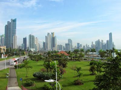 Avenida Balboa, Cinta Costera, Punta Pacífica, Panamá, round the world, La vuelta al mundo de Asun y Ricardo, mundoporlibre.com