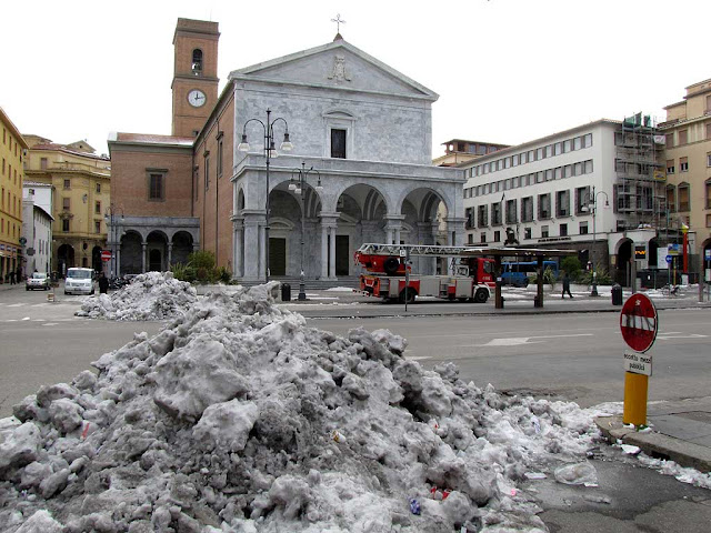 Piles of snow in piazza Grande, Livorno