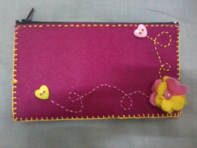 Felt Purse with Zipper