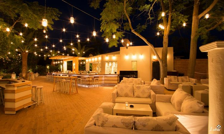 Bar and night club in Argassi, Zante