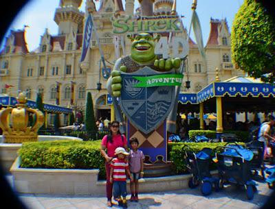 Shrek, tokoh lucu idola anak-anak.