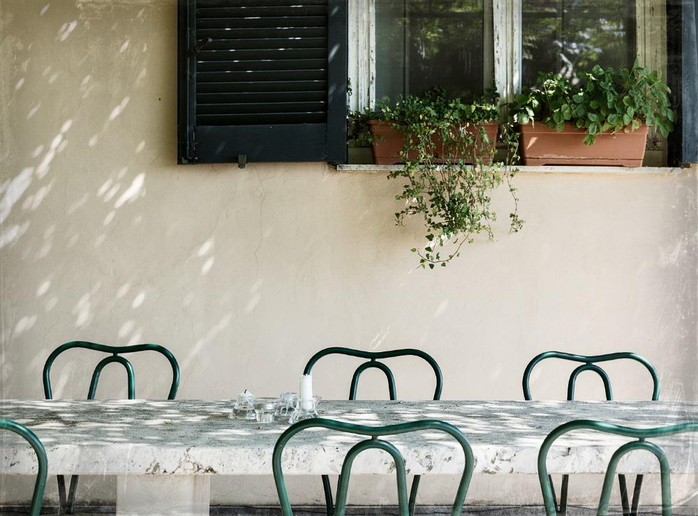 Rooma, kesä, kaupunki, valokuvaus, Visualaddict, Rome, photography, Frida Steiner, valokuvaaja, Rome, streetphotography, Villa Lante, behind the scenes, making of photography, pöytäryhmä, ulkopöytä, patio, pergola