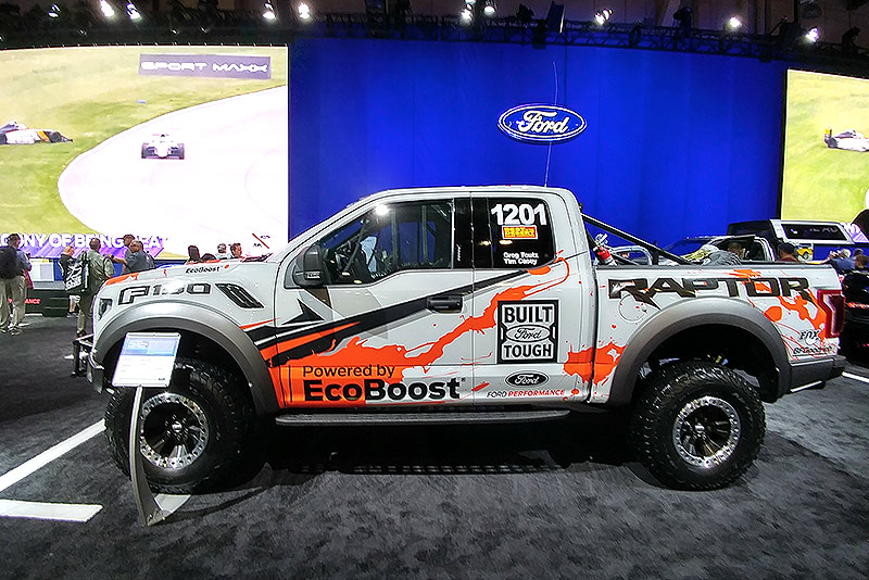 photo deanna isaacs 2017 ford f 150 raptor race truck at the 2017 sema show in. Black Bedroom Furniture Sets. Home Design Ideas