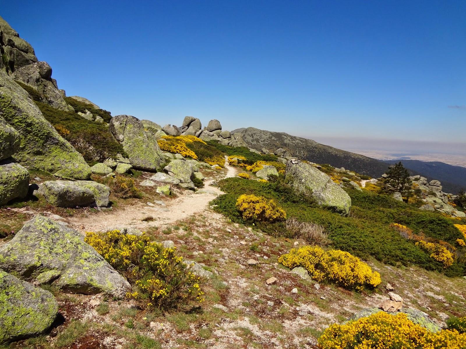 Sendero por las crestas de Siete Picos