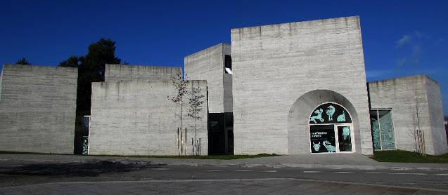 Fachada do edifício do Centro de Interpretação do Românico