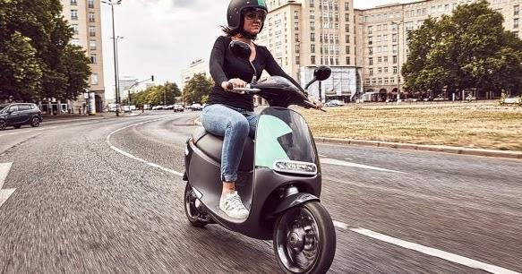 sorties on peut louer un scooter electrique en libre service quand on gal re le moteur. Black Bedroom Furniture Sets. Home Design Ideas