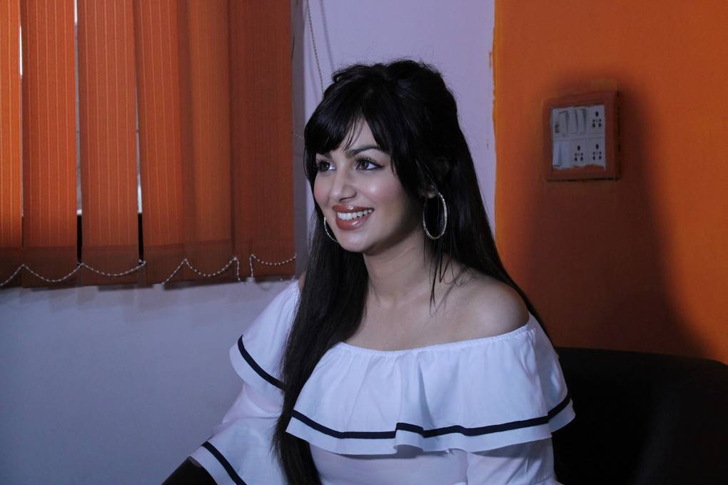 Ayesha Takia At Single Zindagi Yeh Zindagi Interview Stills